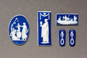 <b>Decorative Art</b><br>Selection of 3 items